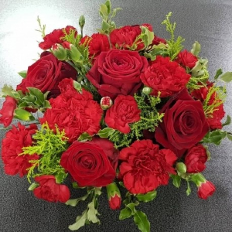 Red funeral posy
