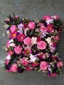 openwork cushion....pink