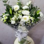 neutral bouquet