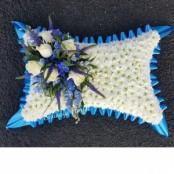 lge blue/white pillow